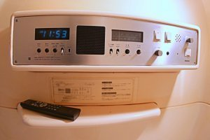 Read more about the article How To Clean Washing Machine With Vinegar and Baking Soda