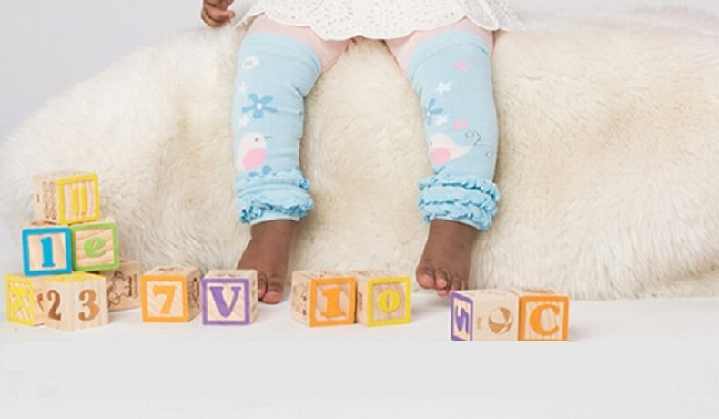 Read more about the article BabyLegs and Cloth Diapering Go Hand In Hand
