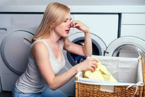 How Do You Keep A Cloth Diaper Pail from Smelling?